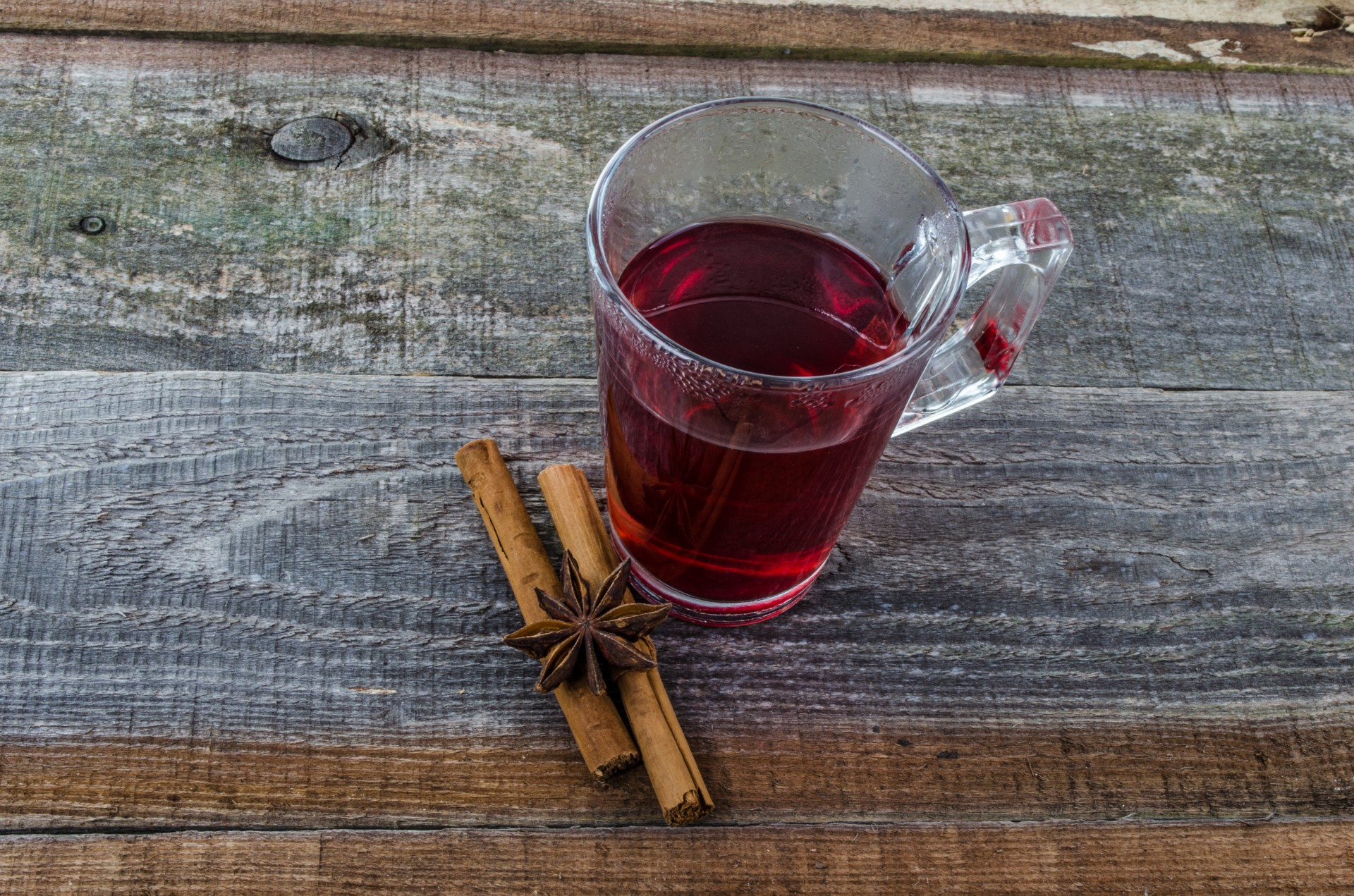glass-cup-with-tea