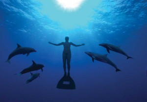 Psihoyos-mandy-with-dolphins